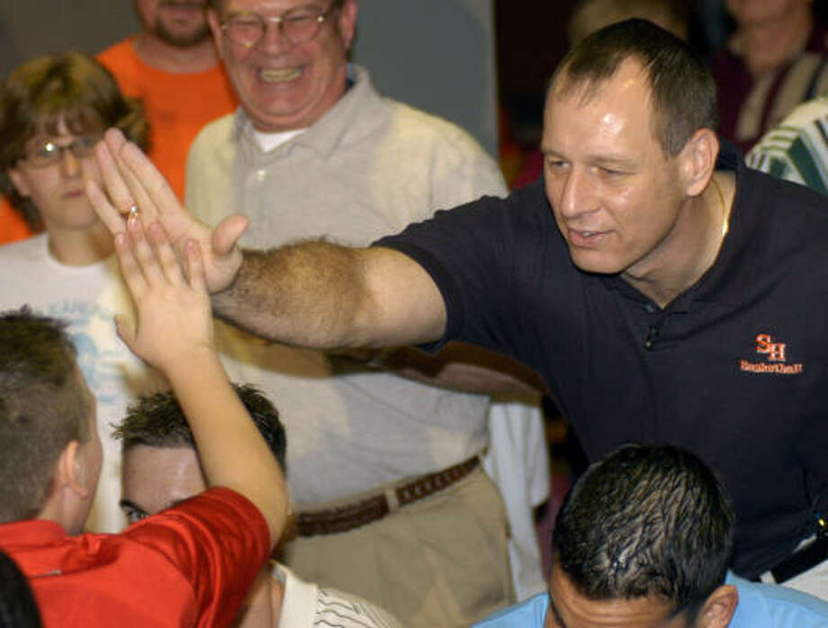 Sam Houston State basketball coach Bob Marlin will be honored for his work in Florida. Photo: Chronicle File Photo