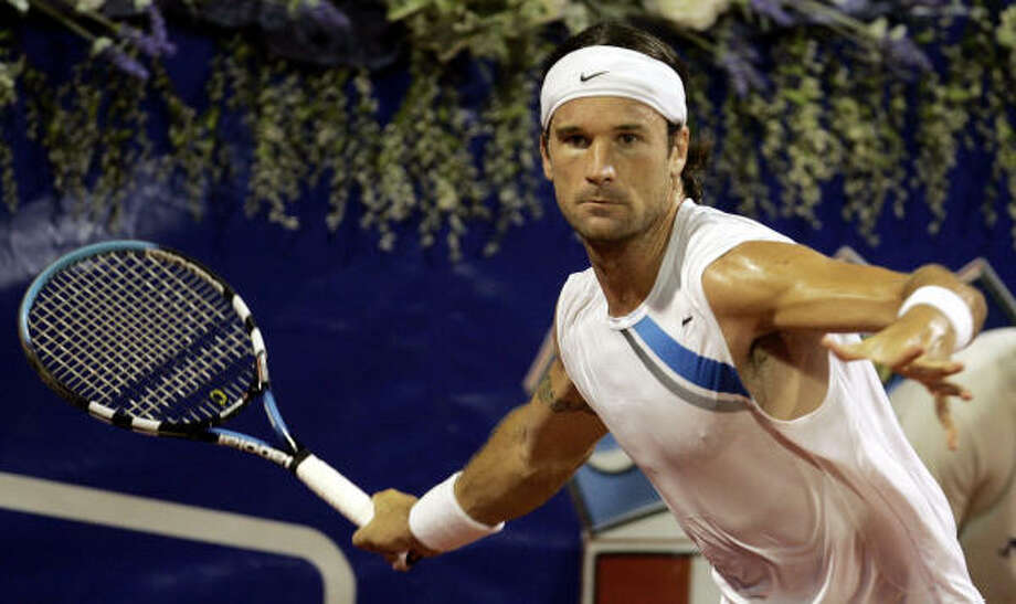 Carlos Moya rolled past David Ferrer in the Croatia Open quarterfinals, moving him one step closer to winning the tournament for the fifth straight time. Photo: DARKO BANDIC, AP