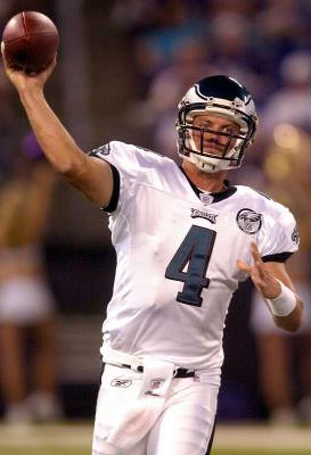 Rookie Kevin Kolb comes out firing in his first NFL action, throwing 20 passes in one half of playing time. Photo: GREG FIUME, GETTY IMAGES