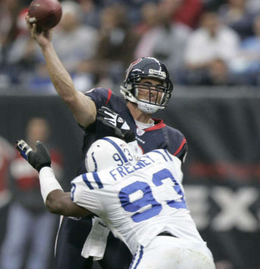 """Dwight Freeney says """"intensity and attitude"""" will help the Colts. Photo: BRETT COOMER, CHRONICLE"""