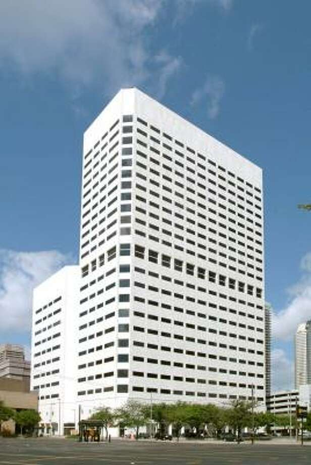 The 25-story building at 1301 Fannin, owned by the Shidler Group of San Diego since 1998, was purchased by Houston-based Griffin Partners for $114.5 million. Photo: Courtesy