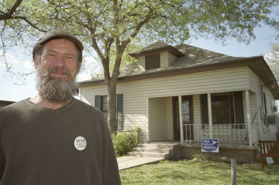 John Wolf, who co-founded the Crawford Peace House in 2003 in a two-bedroom, one-bathroom white-clapboard house just across the railroad tracks from downtown, denies allegations of wrongdoing. Photo: Ted Albracht, CHRONICLE File