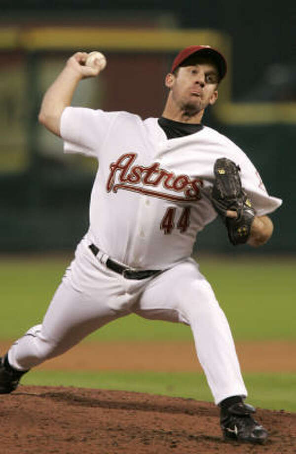 Roy Oswalt is coming off a 94-pitch outing in which he went the distance for a 5-1 victory over the Cardinals. Photo: Pat Sullivan, AP