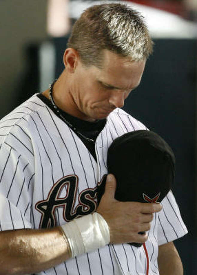 Craig Biggio and the Astros honored Mike Coolbaugh, once part of their organization, before Monday's game against the visiting Los Angeles Dodgers. Photo: Melissa Phillip, Chronicle