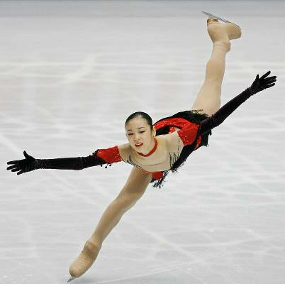 South Korea's Kim Yu-Na impressed the judges in her World Figure Skating Championships debut, compiling the highest score ever in the women's short program. Photo: TORU YAMANAKA, GETTY IMAGES