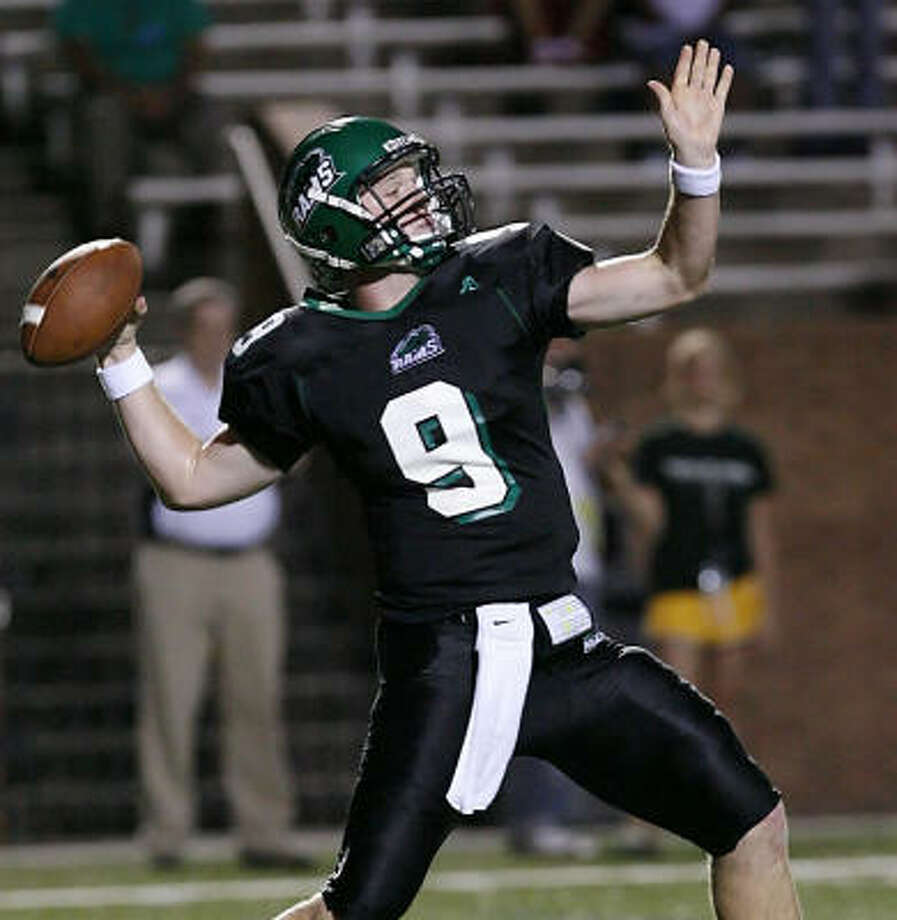 Mayde Creek quarterback Will Handlin leads the Rams in the Class 5A playoffs against Cy Falls at 7 p.m. on Saturday at Rhodes Stadium. Photo: Diana L. Porter, For The Chronicle