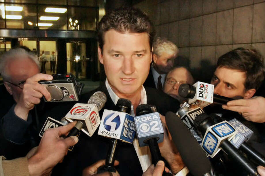 Pittsburgh Penguins owner Mario Lemieux addresses the media after meeting with Pennsylvania Gov. Ed Rendell,  Allegheny County chief executive Dan Onorato and Pittsburgh mayor Luke Ravenstahl on Thursday night to discuss a plan to build the NHL team a new arena in Pittsburgh. Photo: Gene J. Puskar, AP