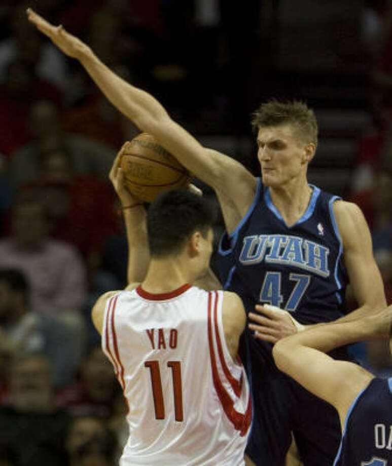 To counter the aggressive defense being used by Andrei Kirilenko and the Utah Jazz, Yao Ming and the Rockets decided to be more assertive around the basket in Game 2. The result -- more fouls being called on Utah and more free-throw opportunites (34-of-38) for the Rockets. Photo: Smiley N. Pool, Chronicle
