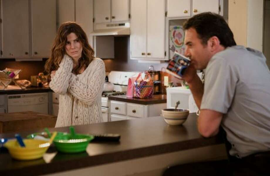 Sandra Bullock and Julian McMahon star in the paranormal thriller Premonition. Photo: RON BATZDORFF, TRISTAR PICTURES