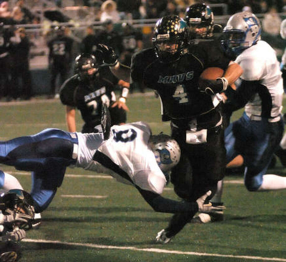 Bo Snelson had 183 yards in an area-round win over Brazoswood. Photo: Kirk Sides, For The Chronicle