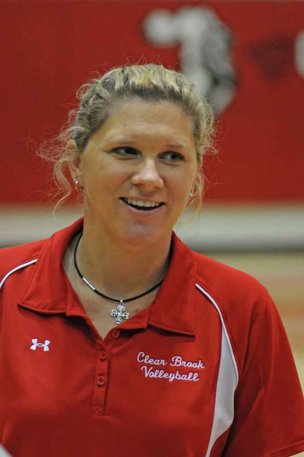 Clear Brook volleyball coach Meredith Thompson during a scrimmage on Aug. 6, 2011 at Clear Brook High school. Photo: L. Scott Hainline / freelance