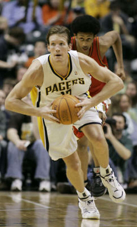 The Mike Dunleavy trade has not brought success to Indiana. Photo: Darron Cummings, AP