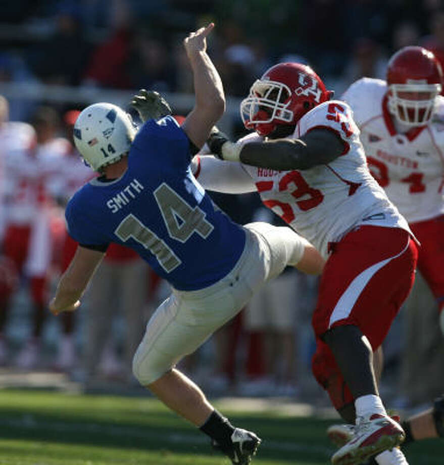 "When:Dec. 31.Score: Houston 34, Air Force 28 in the Armed Forces Bowl. Hero: Philip ""P-Hunt"" Hunt and the UH defense helped preserve a win that ended nearly three decaes of postseason futility. Record: 8-5 Photo: Billy Smith II, Chronicle"