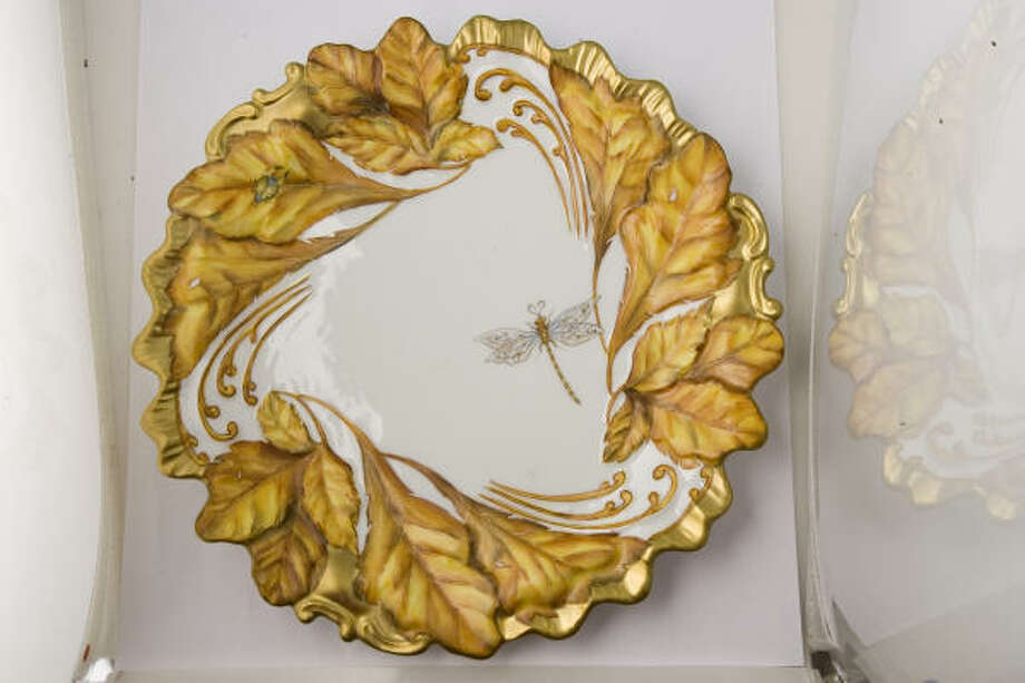 Ann Weatherly Majestic Collection Gold Leafe plate, $375, Events. Photo: Buster Dean, Houston Chronicle