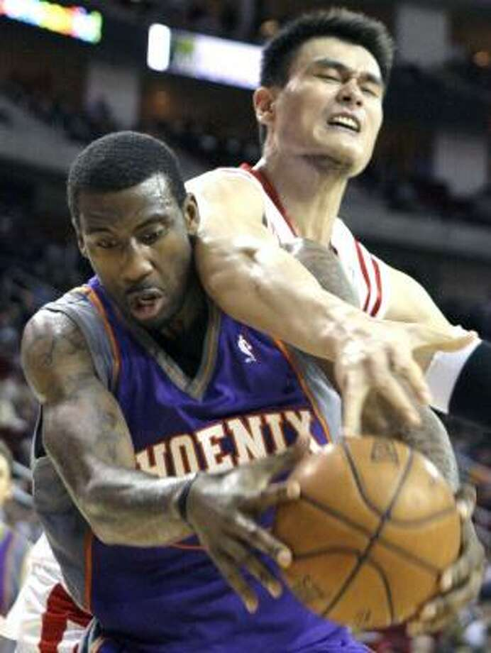 Amare Stoudemire, left, and the Suns overwhelmed the Rockets when the teams played this month. Photo: DAVID J. PHILLIP, ASSOCIATED PRESS