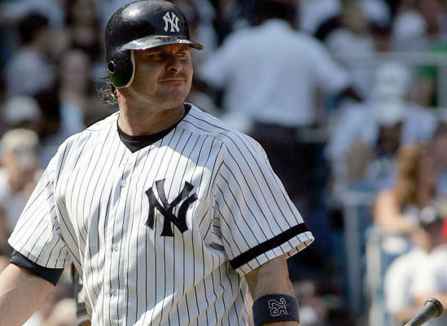 After meeting with baseball commissoner Bud Selig, Jason Giambi of the New York Yankees decided baseball would be best served by cooperating with George Mitchell, who is investigating steroid use for Major League Baseball. Photo: Audrey C. Tiernan, McCLATCHY-TRIBUNE