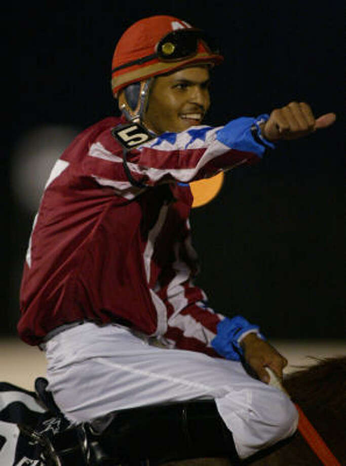 Alfonso Lujan, who guided Snowy Alibi to victory in the TQHA Sale Futurity as part of a successful meet at Sam Houston Race Park in 2006, returns to the track after being the top rider in Delta Downs' recently concluded meet. Photo: Chronicle File