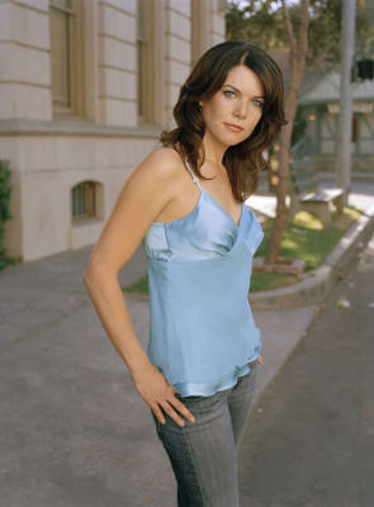 Lorelai: Lorelai Gilmore had her daughter, Rory, at the age of 16 and moved from her well-to-do parents' home to the small town of Stars Hollow, Conn.