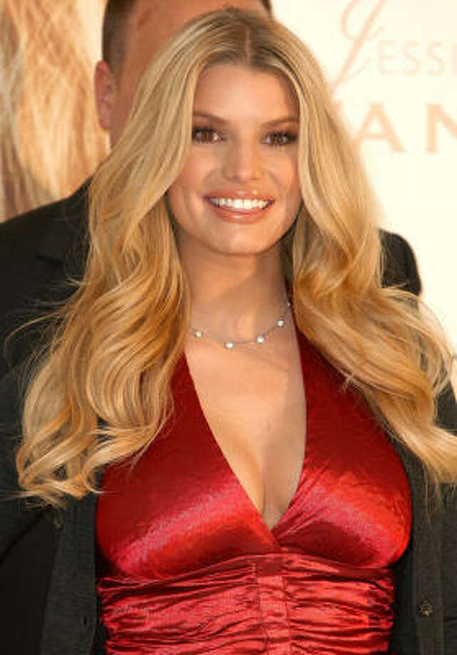 Pop-turned-country star Jessica Simpson's fuller figure is turning heads. Photo: Alberto E. Rodriguez, Getty Images
