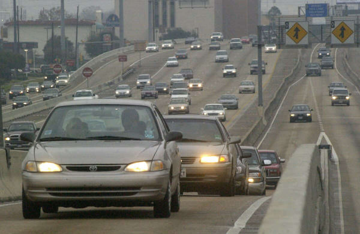 Prepare to have your car worn down by all the driving you'll be doing. Carpooling in the HOV lanes can help save on wear-and-tear on your vehicle. But you're even better off, just commuting via helicopter.
