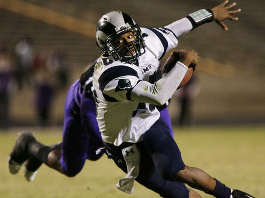 QB: Russell Shepard, Sr., Cypress Ridge Shepard was a true dual-threat, throwing for 1,850 yards and 20 scores while rushing for 1,962 yards and 29 touchdowns. Photo: Eric Kayne, Chronicle