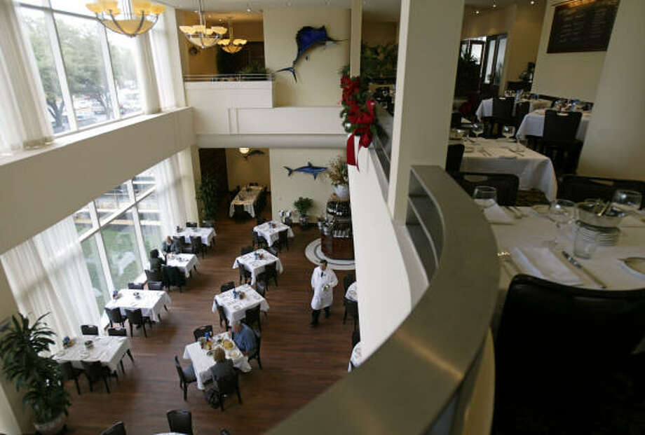 The Oceanaire's dining room. Photo: Jessica Kourkounis, For The Chronicle