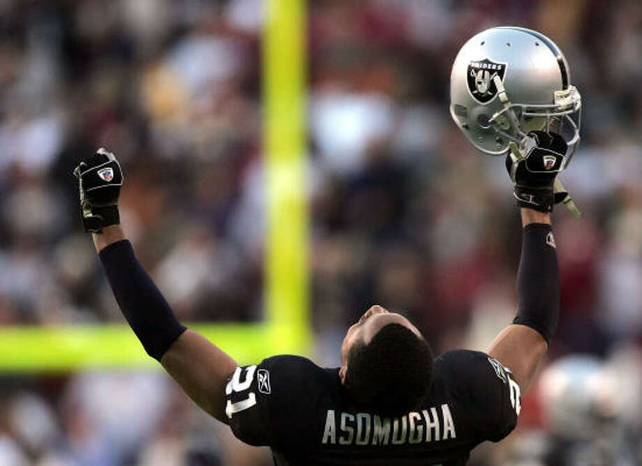 Nnamdi Asomugha. Solomon says: The best cover corner in the league is buried in anonymity on the East Bay with the Raiders. Photo: Win McNamee, Getty Images