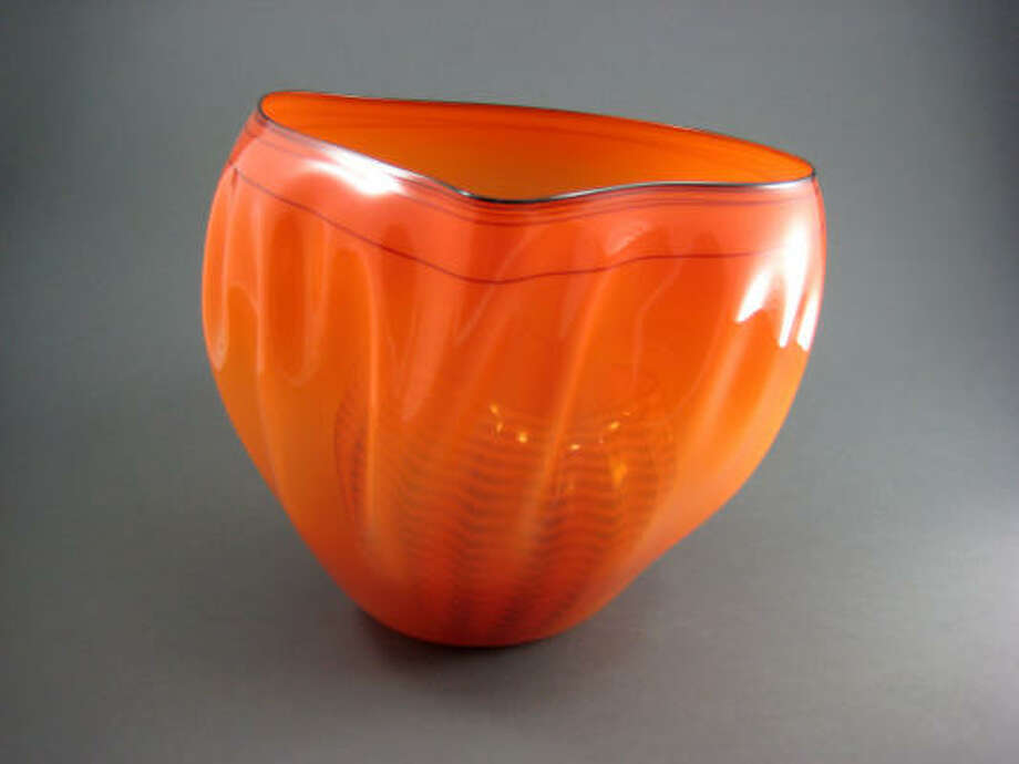 Dale Chihuly, Dough Bowl. Two orange bowls, slipped with black lines. Photo: Matt Smith