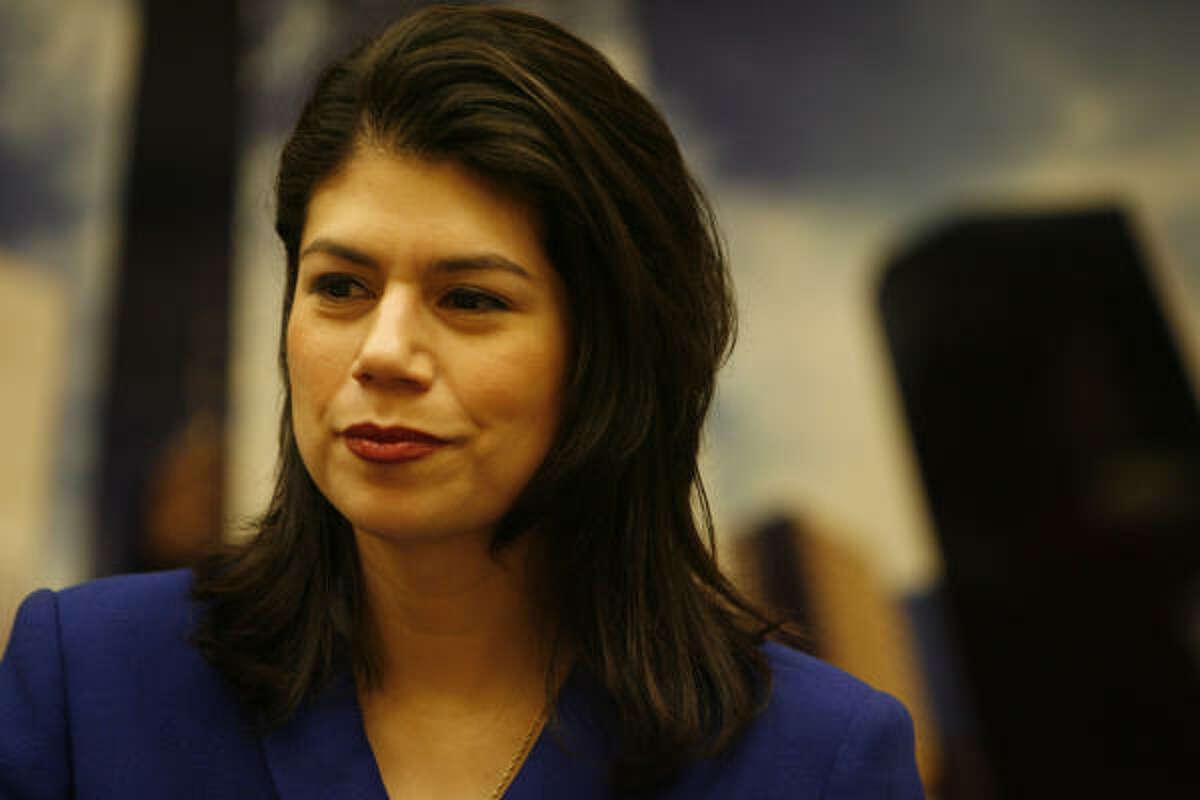Carol Alvarado llega por primera vez a la Cámara de Representantes por el 145 y asegura: ``presentaremos contrapropuestas a cada uno de los proyectos contra la inmigración''.