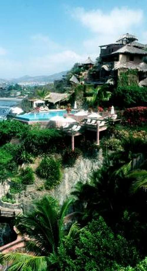 La Casa Que Canta in Zihuatanejo, Mexico, was picked as the best hotel in Mexico, Central and South America. Photo: CHRISTOPHER REYNOLDS, LOS ANGELES TIMES