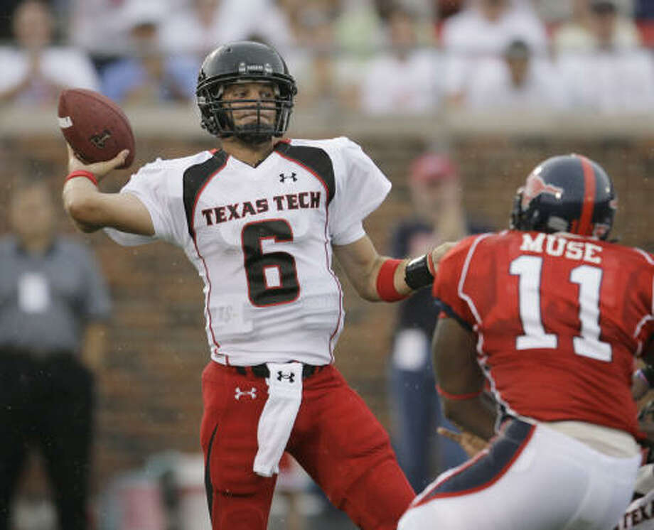 Graham Harrell is the latest triggerman for Texas Tech's wide-open offense. Photo: Matt Slocum, AP