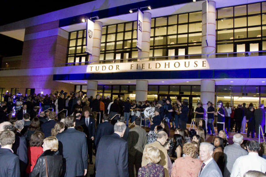 Grand opening of Tudor Fieldhouse drew a crowd of alumni. Ideas from basketball venues around the country were used in the makeover at Rice. Photo: Bill Olive, Bill Olive Photography