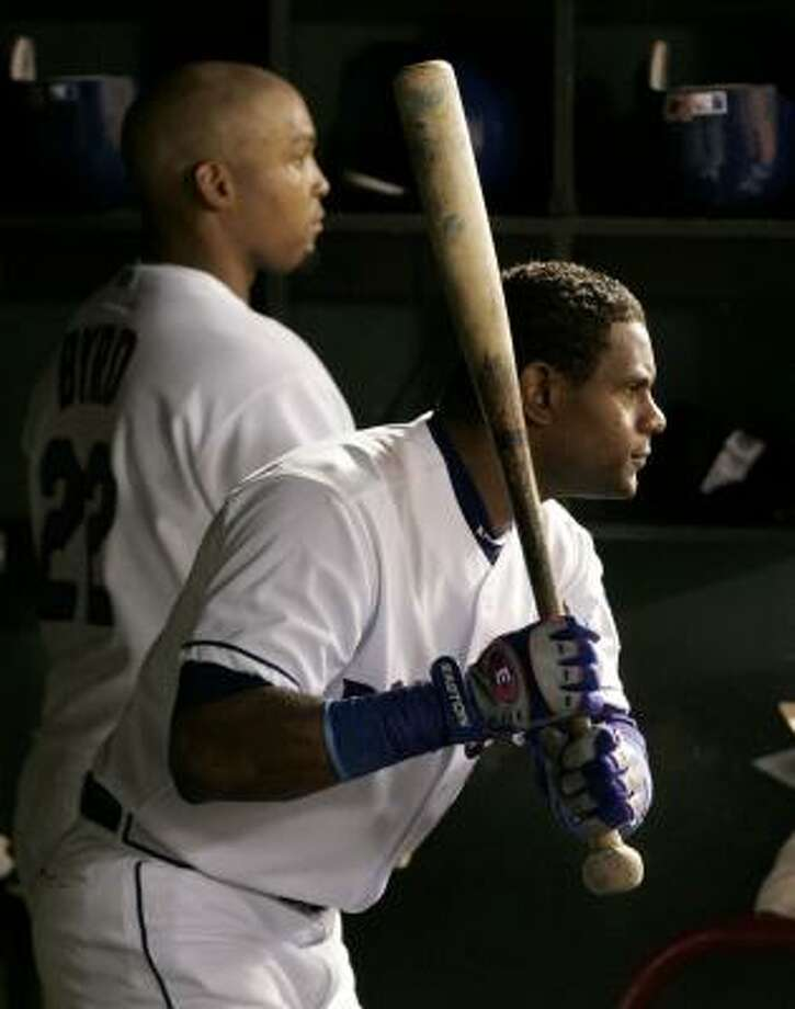 Texas' Sammy Sosa prepares for an at-bat on Tuesday against the visiting Cubs. He went 0-for-4. Photo: Tony Gutierrez, AP