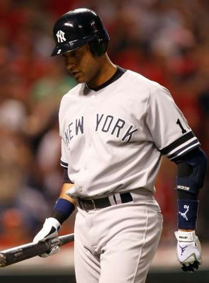 New York state officials claim that Yankees star shortstop Derek Jeter owes millions in back taxes. Photo: GREGORY SHAMUS, GETTY IMAGES