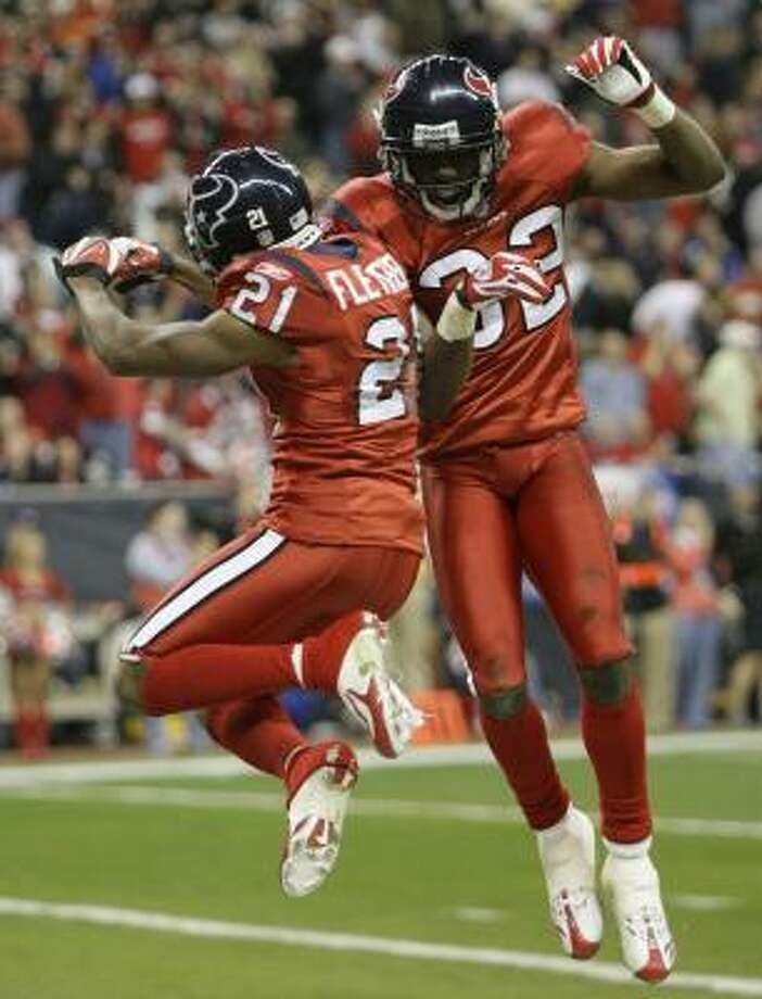 Texans cornerbacks Jamar Fletcher, left, and Fred Bennett have helped solidify a secondary that has been rocked by a series of injuries this season. Photo: BRETT COOMER, CHRONICLE