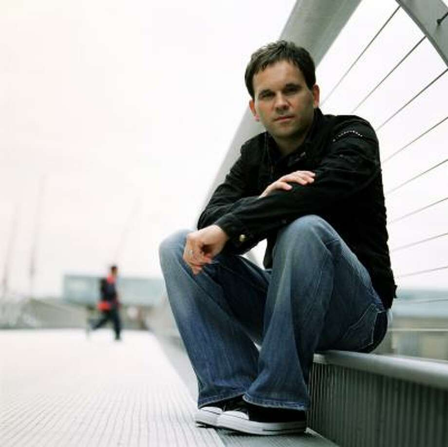 """Matt Redman says that as a songwriter he often tries to approach the """"cross of Jesus"""" from a new perspective. Photo: Courtesy Photo, CMA MEDIA PROMOTIONS"""
