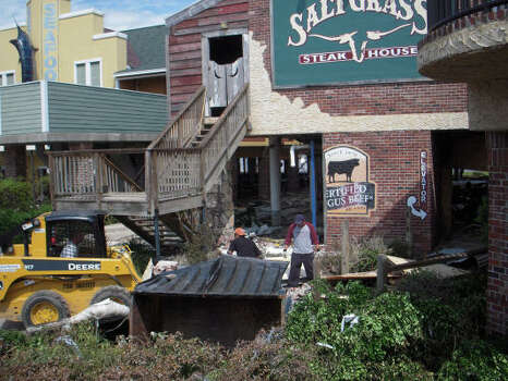 The Saltgrass Steakhouse restaurant on the Kemah Boardwalk. Photo: Barbara Lindsey, CHronicle