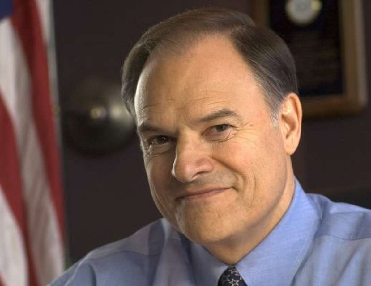 U.S. Rep. Nick Lampson recently met with fundraisers for the national Democratic Senatorial Campaign Committee.