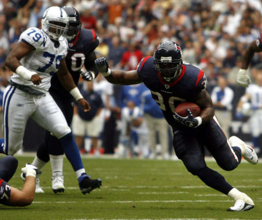 Texans running back Ahman Green is hoping to get back on the field this week against Miami for the first time since the Sept. 23 game against Indianapolis when he bruised his knee at the start of the second quarter. Photo: Billy Smith II, Chronicle