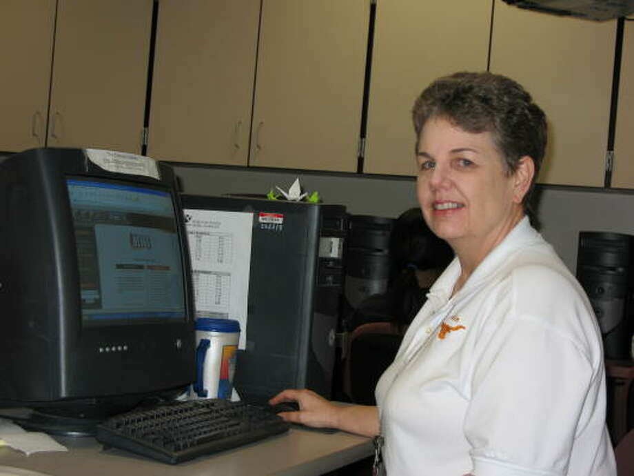 J. Frank Dobie High School teacher Mary Walker expects a lot from her computer Web mastering students - and they deliver with contest win after contest win. Photo: Stephanie King, For The Chronicle