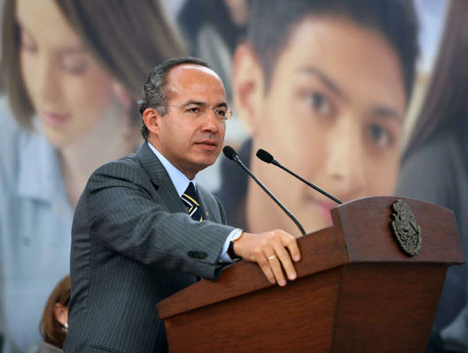 Mexican President Felipe Calderon speaks at the Science Academy in Mexico City about the joint anti-drug plan with the United States. Photo: PRESIDENCIA, PRESIDENCIA/AFP/Getty Images