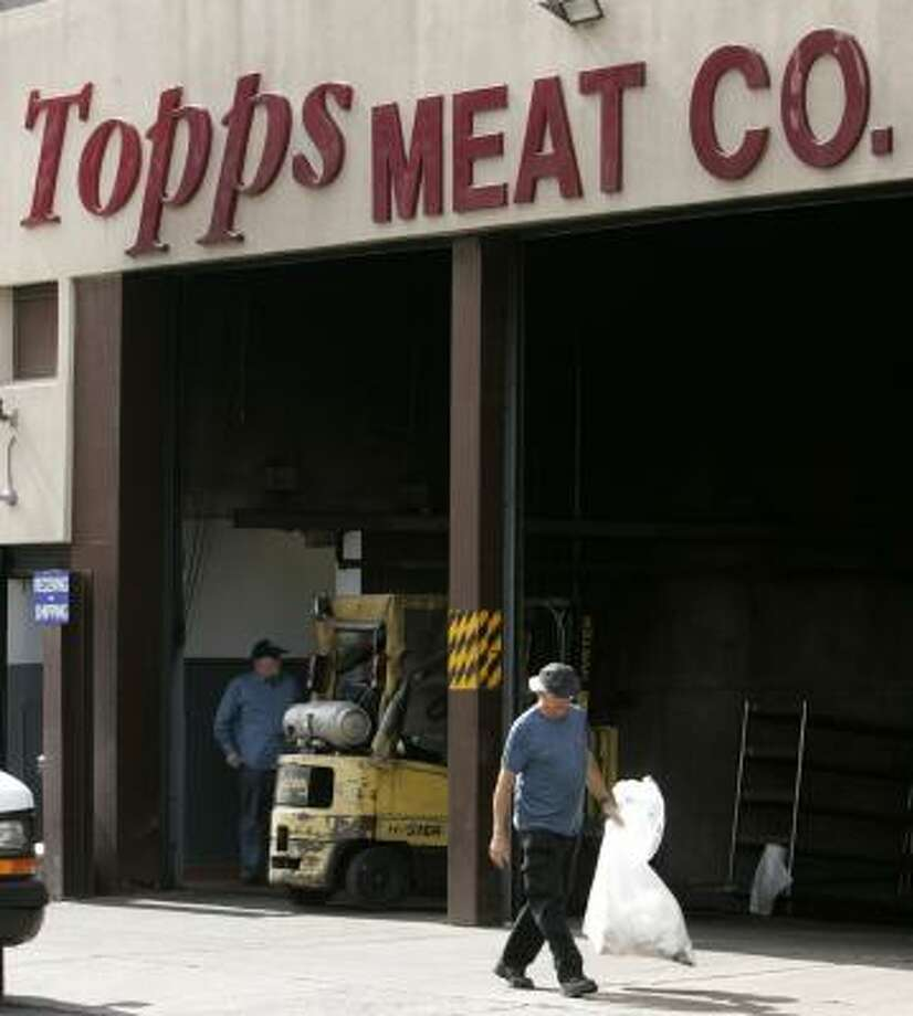 Recalled hamburger was produced by Elizabeth, N.J.-based Topps Meat Co. Photo: MIKE DERER, ASSOCIATED PRESS