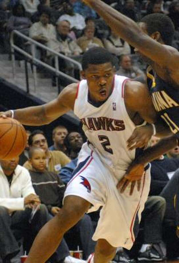 Joe Johnson had 26 points and 11 assists to propel the Hawks to their fifth straight win. Photo: GREGORY SMITH, ASSOCIATED PRESS