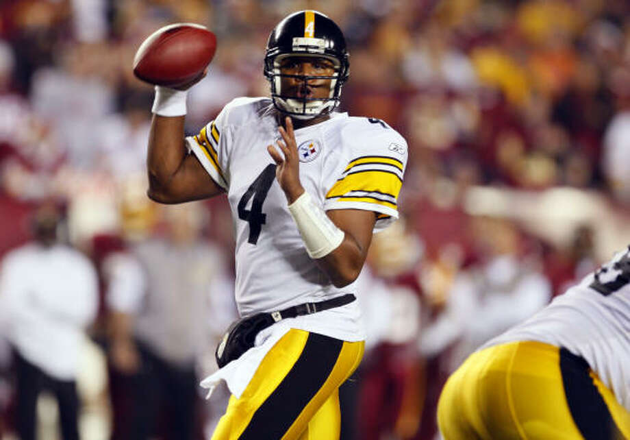 Steelers 23, Redskins 6 Steelers quarterback Byron Leftwich looks for a receiver during the third quarter. Photo: Harry E. Walker, MCT