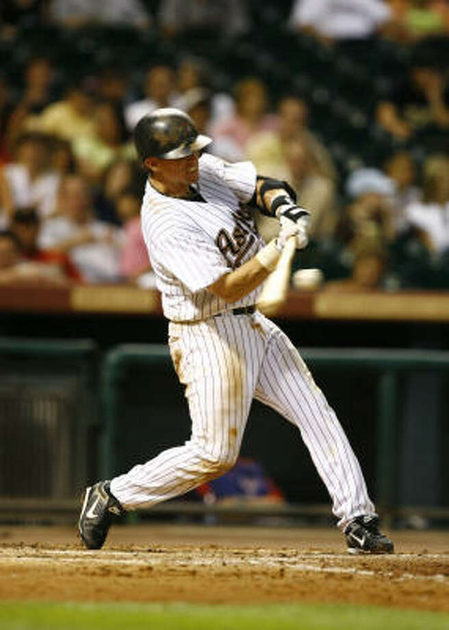 Craig Biggio gets hit No. 2,968: a double in the eighth against visiting Texas. He later scored. Photo: Nick De La Torre, Chronicle
