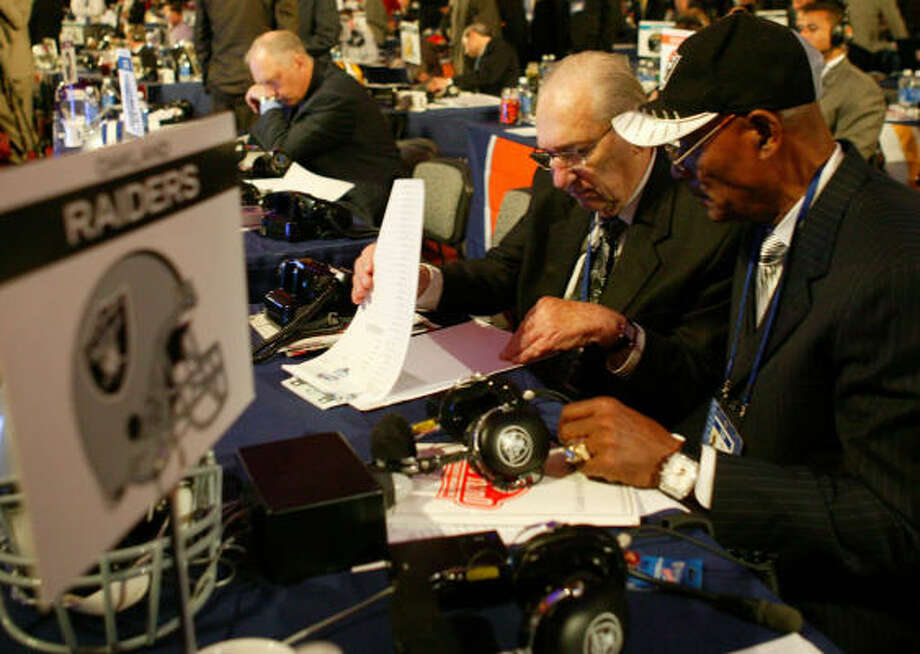 The Oakland Raiders were the first team to pick on April 28 as the NFL slogged through a 6-hour, 8-minute first round of the draft. Trimming the time for each team to make its selection in the first round from the current limit of 15 minutes will be discussed this week. Photo: Chris McGrath, Getty Images