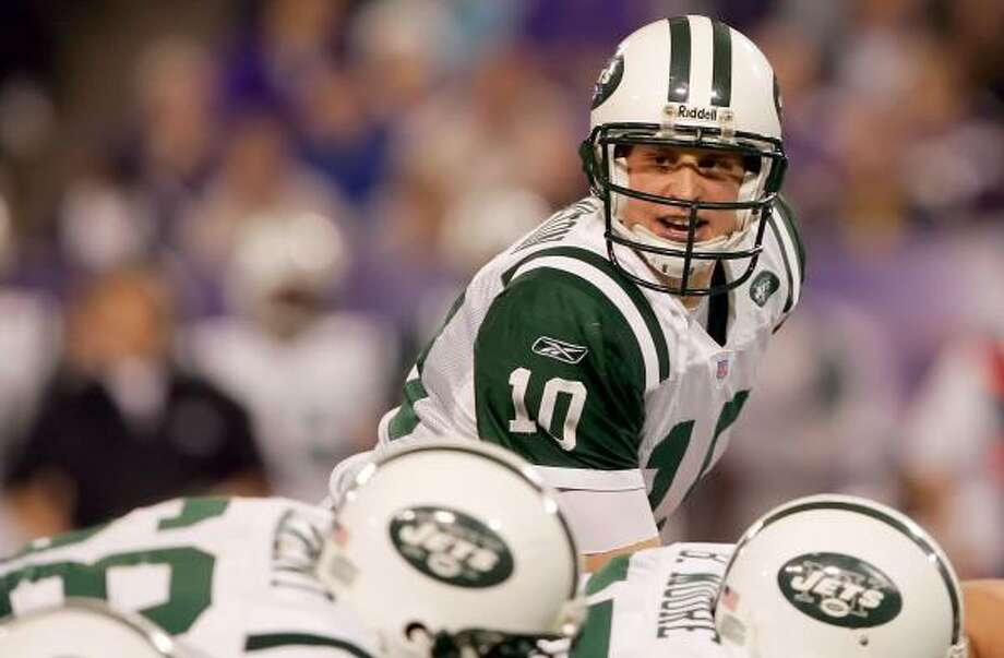 New York Jets quarterback Chad Pennington overcame a second torn rotator cuff in as many years to win the Associated Press' NFL Comeback Player of the Year award. Photo: Lisa Blumenfeld, Getty Images