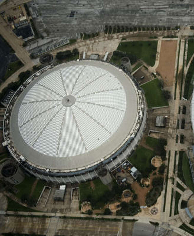 The Astrodome, built in the 1960s and home of the Houston Oilers, was considered the Eighth Wonder of the World when built. Photo: Smiley N. Pool, Houston Chronicle
