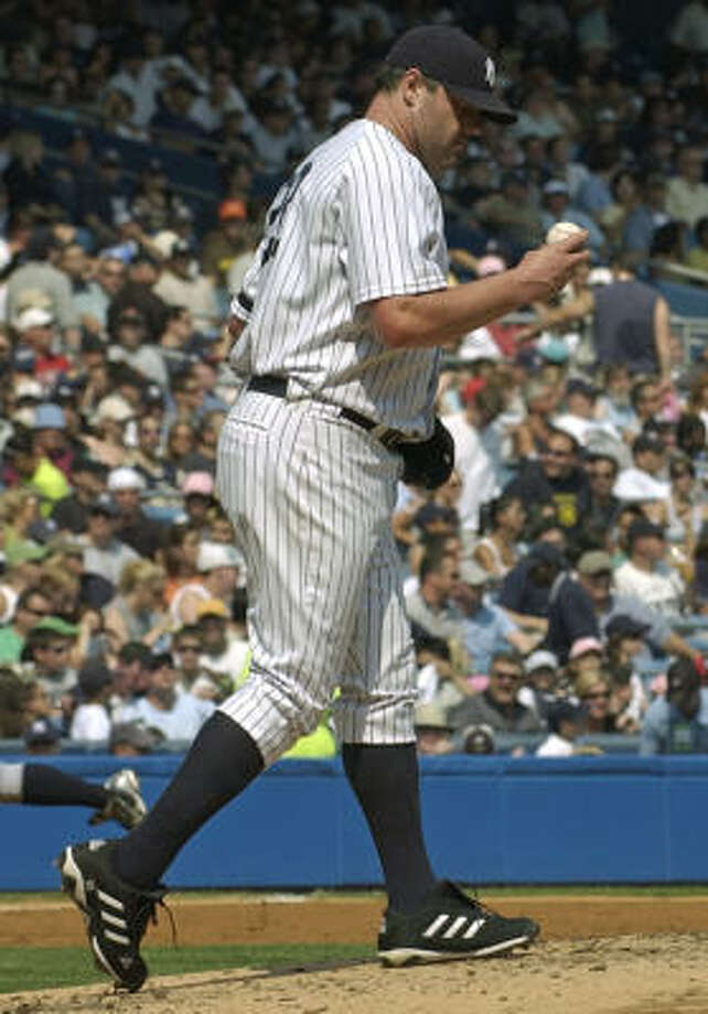 New York Yankees pitcher Roger Clemens allowed five runs on eight hits in the Yankees 7-1 loss to the Mariners on Monday. Photo: Bill Kostroun, AP