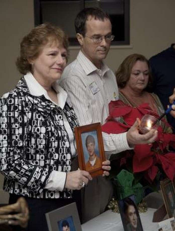 Melinda and Karl Kinley attended the candle-lighting ceremony organized by the Katy chapter of Compassionate Friends. Photo: Maria-Patricia Cortez, For The Chronicle